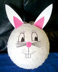 Biała piniata królik