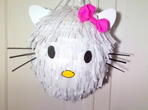 Piniata hello-kitty